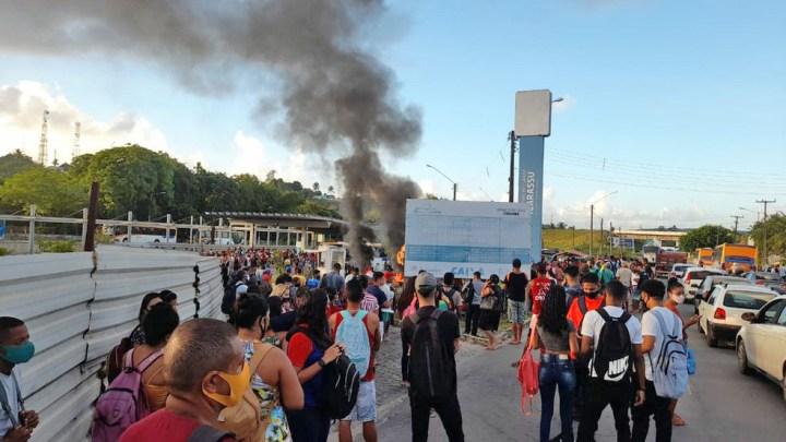 PE: Protesto no Terminal Integrado de Igarassu chama atenção na manhã desta segunda-feira