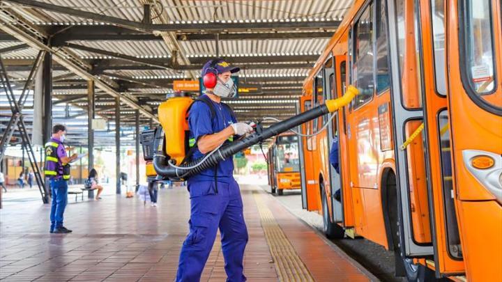 Curitiba promove maior programa de sanitização no transporte desde o início da pandemia