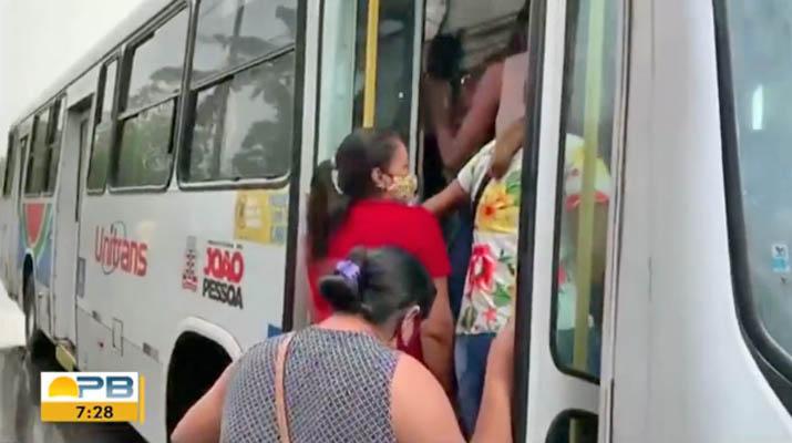 João Pessoa registra ônibus lotados após redução de frota nesta segunda-feira 29
