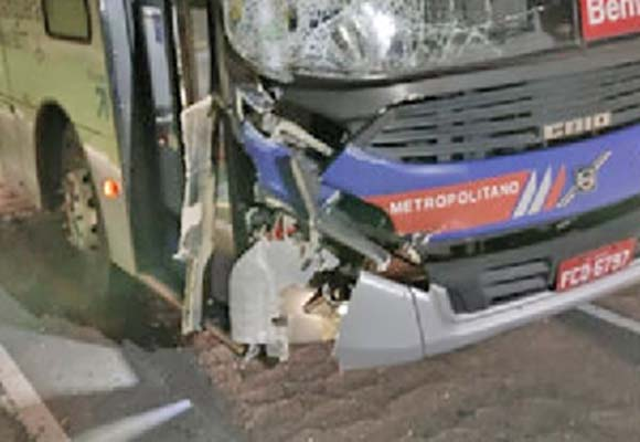 Ônibus da EMTU atropela e mata jovem em Alphaville na Grande São Paulo
