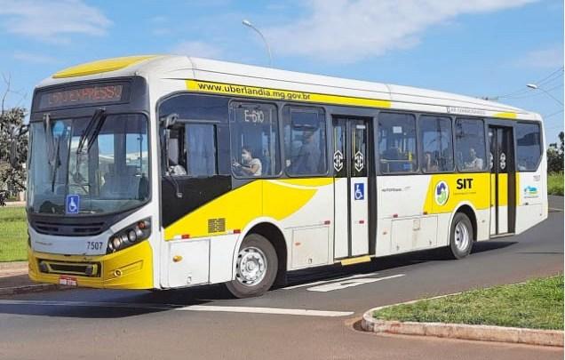 MG: Prefeitura diz que ônibus municipais de Uberlândia não poderão circular com passageiros em pé