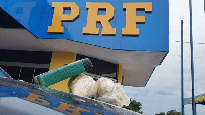 TO: PRF apreende PRF jovem de 25 anos com farto material entorpecente na BR-153, em Paraíso do Tocantins