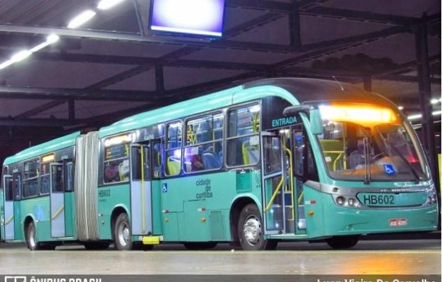 Curitiba: Ônibus circulam com no máximo 70% de ocupação de passageiros