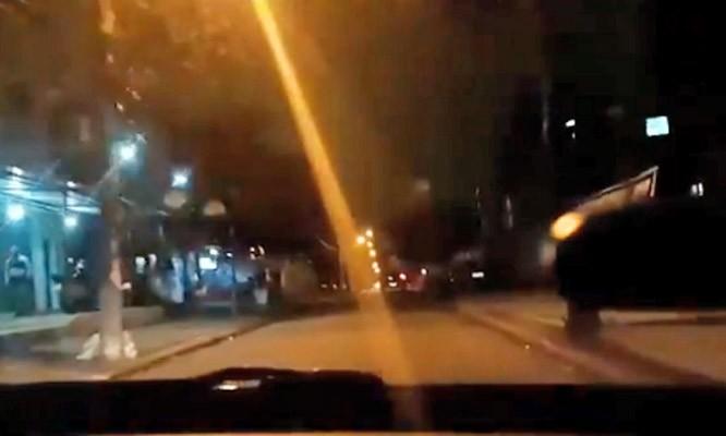 Vídeo: Tiroteio na Praça Seca chama a atenção de passageiros de ônibus no Rio