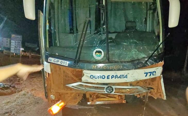 PA: Acidente envolvendo ônibus da Ouro e Prata deixa um morto e dois feridos na BR-163