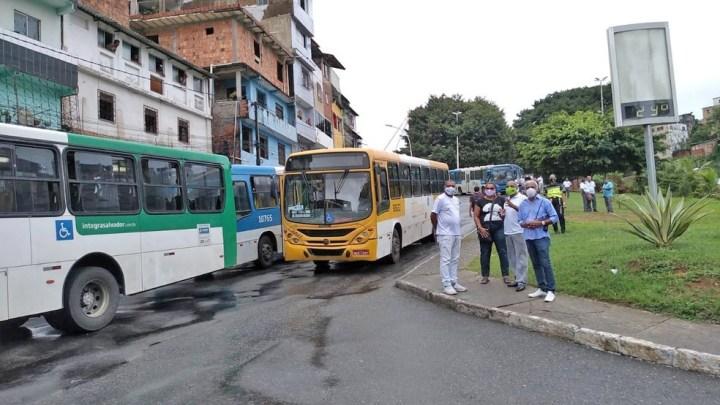 Salvador: Rodoviários protestam fechando a Estação Lapa nesta sexta-feira