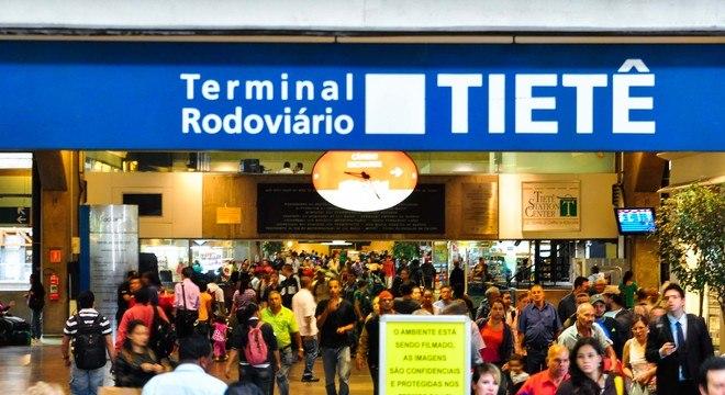 São Paulo: Prefeitura inicia triagem na rodoviária do Tietê de passageiros vindos do Maranhão
