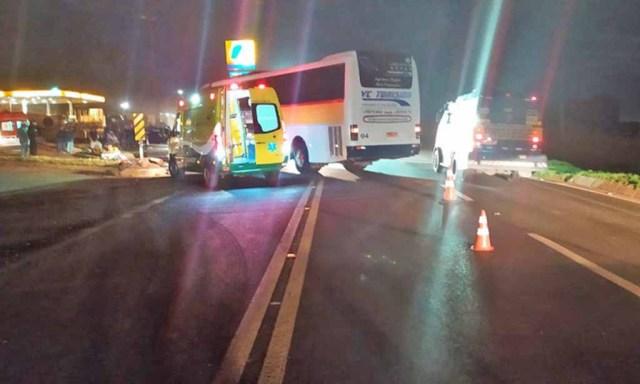 PR: Acidente entre carro e ônibus deixa uma pessoa morta na BR-277 em Guarapuava - revistadoonibus