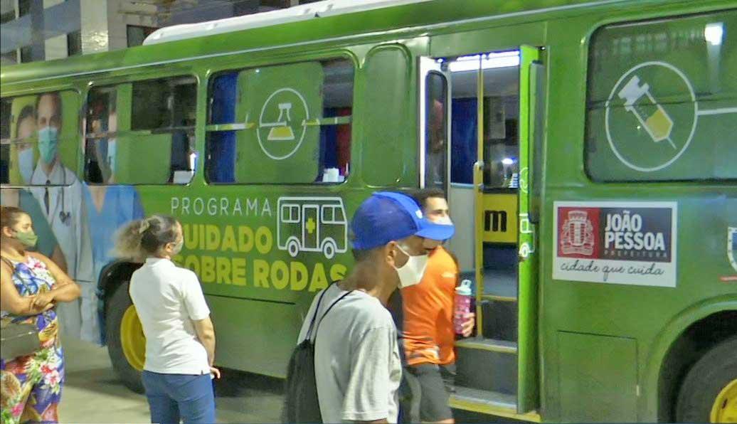 João Pessoa utiliza ônibus para testar a população contra a Covid-19