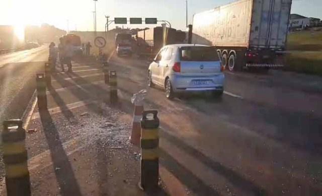 PR: Acidente entre dois ônibus e dois carros deixa seis feridos em Cascavel - revistadoonibus
