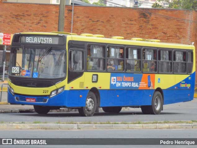MG: Acidente entre ônibus e moto deixa uma pessoa morta em Divinópolis