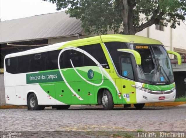 PR: Acidente entre carreta e ônibus da Princesa dos Campos chama a atenção na BR-153 - revistadoonibus