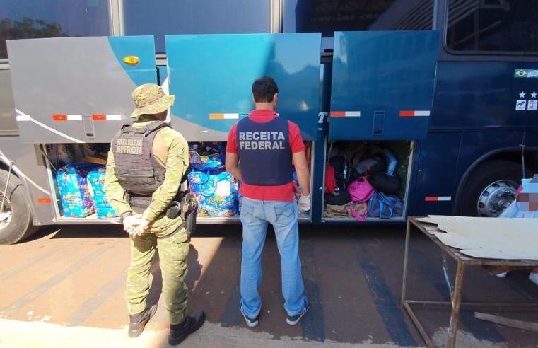 PR: Receita Federal e BPFon apreendem ônibus com produtos contrabandeados