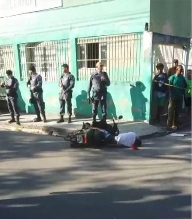 Vídeo: Morte de jovem em Central Carapina, na Serra gera protesto de moradores - revistadoonibus