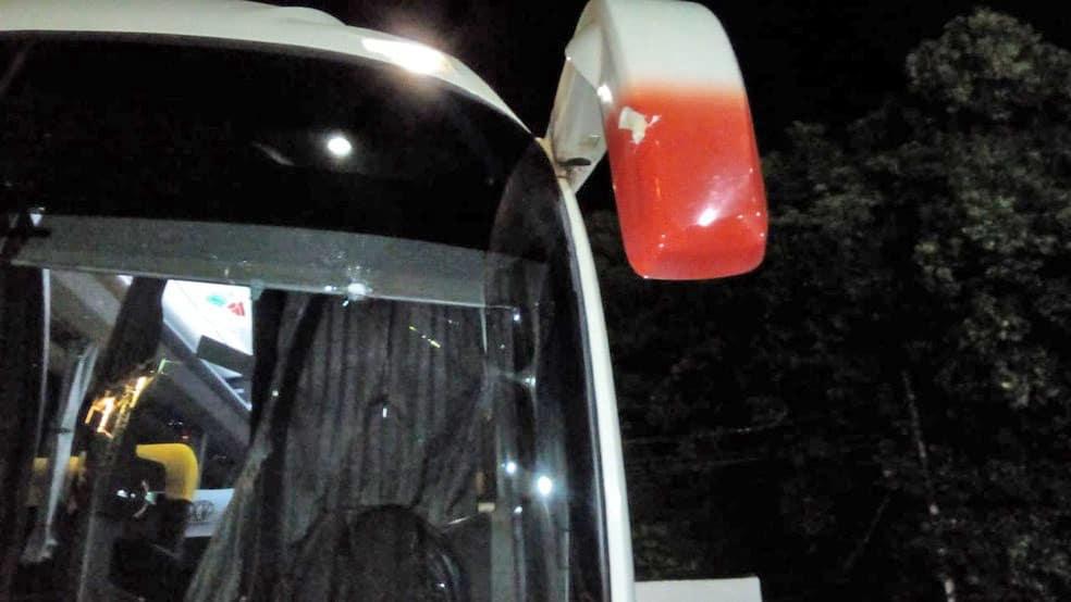 SP: Torcedores atacam ônibus do XV de Piracicaba que seguia para jogo