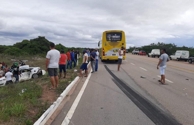 RN: Acidente entre carro e ônibus deixa dois mortos e duas crianças ficam feridas na BR-101