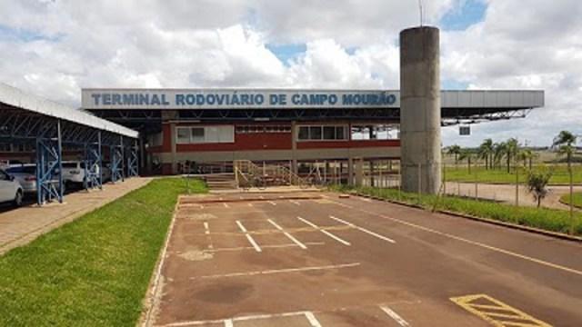 PR: Passageiro de ônibus é levado para delegacia por importunação sexual em Campo Mourão - revistadoonibus