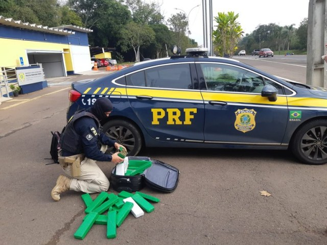 RS: PRF prende passageira de ônibus com entorpecentes em fiscalização na BR-386 em Lajeado - revistadoonibus