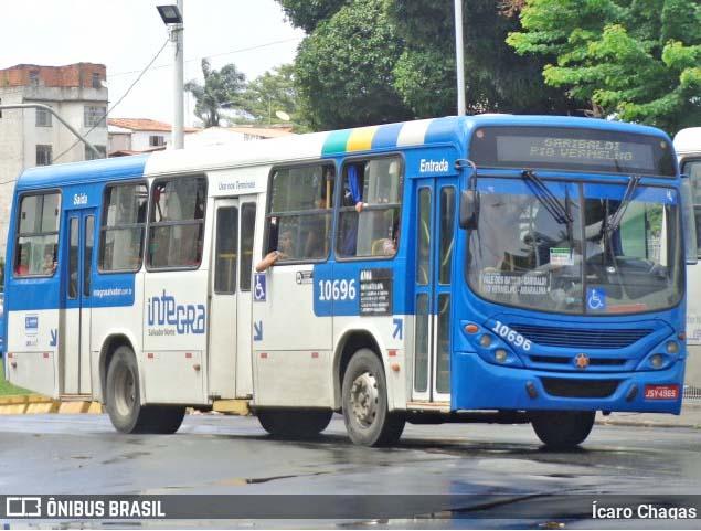 Salvador: Ônibus da CSN derruba poste de sinalização na orla da Barra