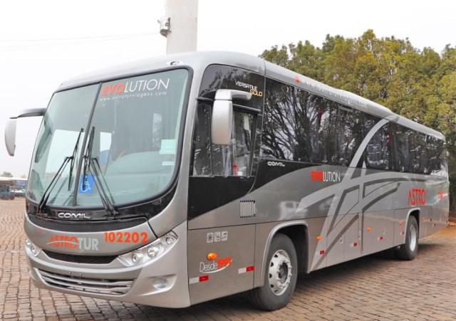 Astrotur Viagens e Turismo renova parte da frota com 5 Comil Versatile Gold Mercedes-Benz - revistadoonibus