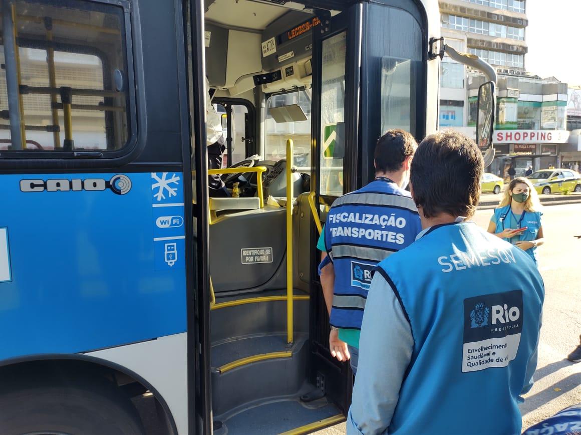 Rio: Prefeitura fiscaliza respeito aos direitos dos idosos no transporte público
