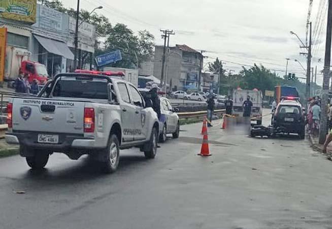 Aracaju: Acidente entre moto e ônibus deixa um morto na Avenida Gentil Tavares