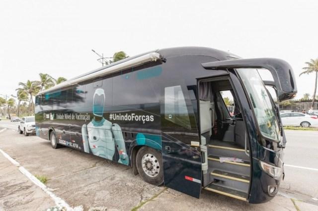 Maceió: Ônibus da vacina estaciona na Praça Deodoro, nesta quarta-feira - revistadoonibus