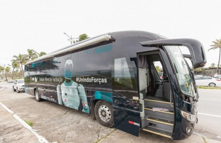 Maceió: Ônibus da vacina estaciona na Praça Deodoro, nesta quarta-feira