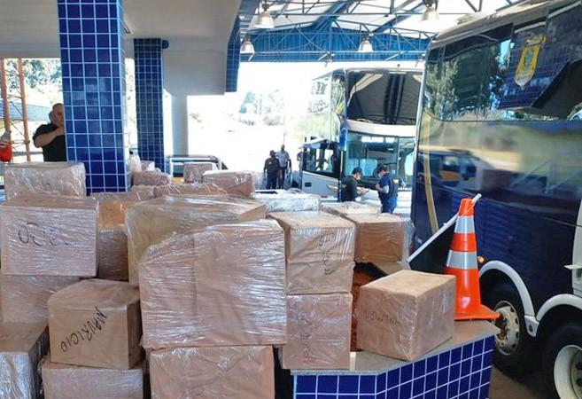SC: PRF apreende cerca de 2 mil garrafas de vinho na BR-282 em Campos Novos