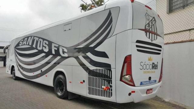 SP: Ônibus do Santos acaba penhorado devido dívida com produtora de vídeo - revistadoonibus