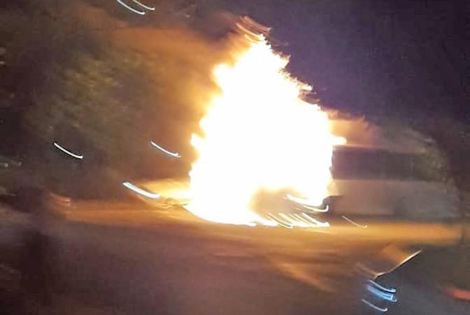 Rio: Ônibus da Transportes Barra pega fogo na Barra da Tijuca devido possível pane elétrica
