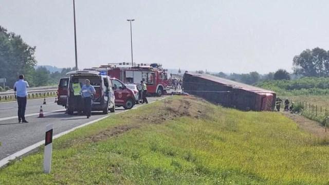 Ônibus tomba na Croácia deixando dez mortos e ao menos 40 feridos - revistadoonibus
