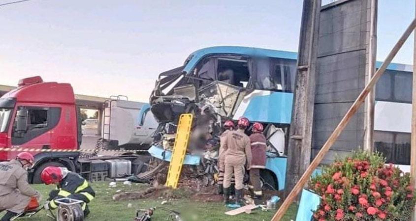 PA: Acidente com ônibus da Real Maia deixa motorista morto na BR-010 em Paragominas