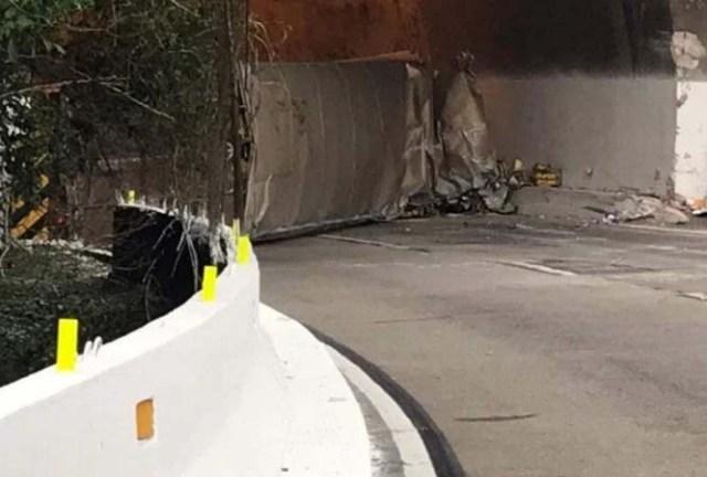 RJ: Rodovia BR-040 foi libera por volta de meio dia após caminhão tombar no túnel do Ouriço em Petrópolis - revistadoonibus