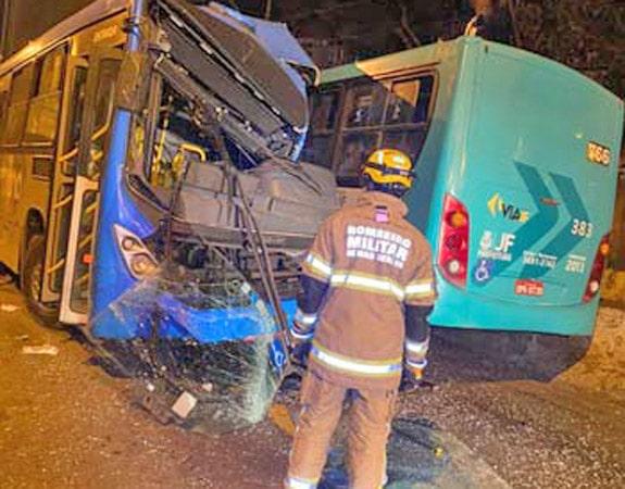 MG: Acidente com dois ônibus em Juiz de Fora deixa 7 feridos