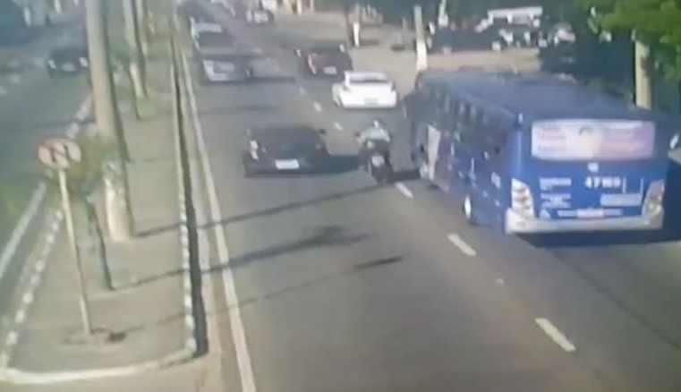 SP: Justiça concede habeas corpus para ex-motorista da EMTU que atropelou motociclista em Mogi das Cruzes