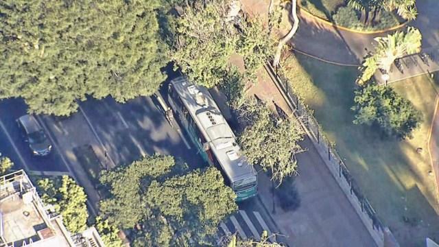Belo Horizonte: Ar-condicionado de ônibus do Move cai em cima de passageira - revistadoonibus