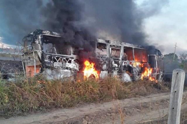 Rondônia: Acidente entre caminhão e ônibus deixa 3 mortos na na BR-364 em Itapuã do Oeste - revistadoonibus