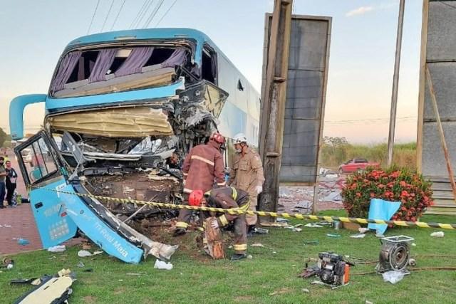 PA: Acidente com ônibus da Real Maia deixa motorista morto na BR-010 em Paragominas - revistadoonibus