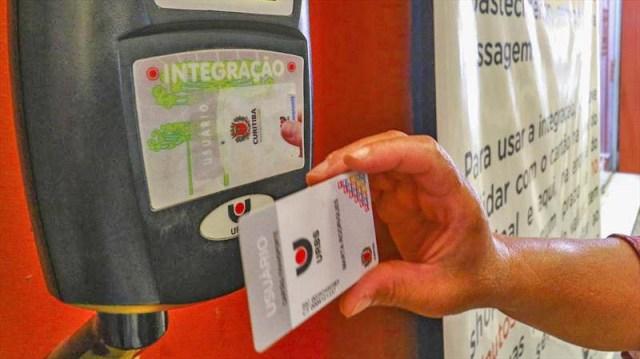 Curitiba oferece compra de crédito do cartão-transporte pelo WhatsApp - revistadoonibus