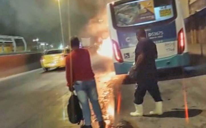 Vídeo: Ônibus da Transportes Campo Grande pega fogo na Avenida Brasil