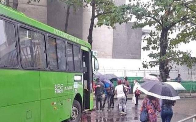 Rio: Ônibus da empresa Rodoviária Âncora Matias atropela pedestre no Centro - revistadoonibus