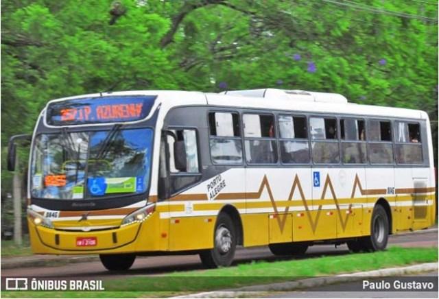 Porto Alegre: Protesto de rodoviários contra extinção de cobradores deixa ônibus lotados - revistadoonibus