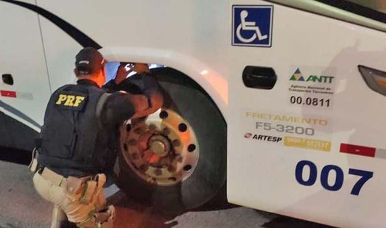 SP: PRF apreende ônibus dublê em Aparecida