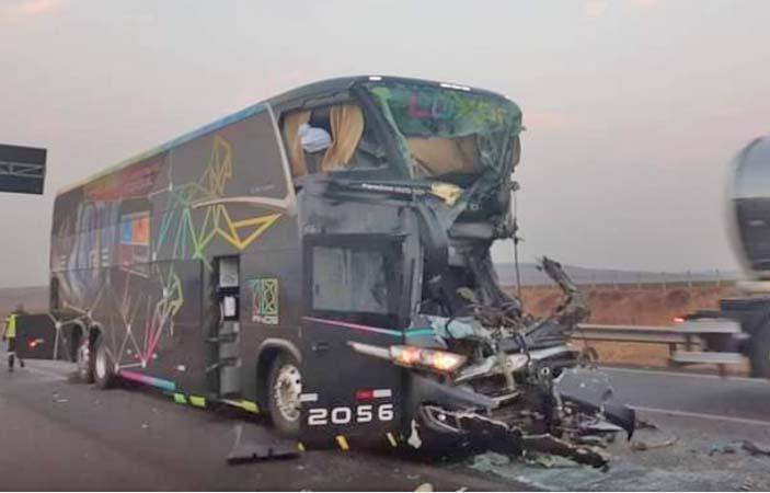 SP: Acidente com ônibus da Levare Transportes deixa um morto e oito feridos na Rodovia Anhanguera – Vídeo
