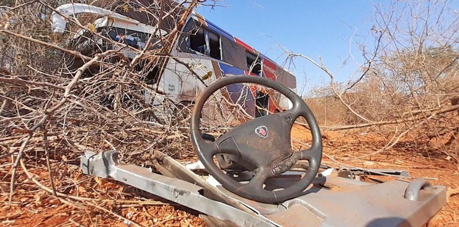 MG: Polícia Civil investiga causas do acidente entre carro e ônibus que deixou 4 mortos em Francisco Sá