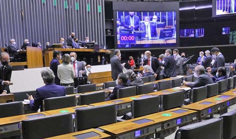 Brasília: Câmara aprova MP que amplia tolerância para pesagem de caminhões e ônibus