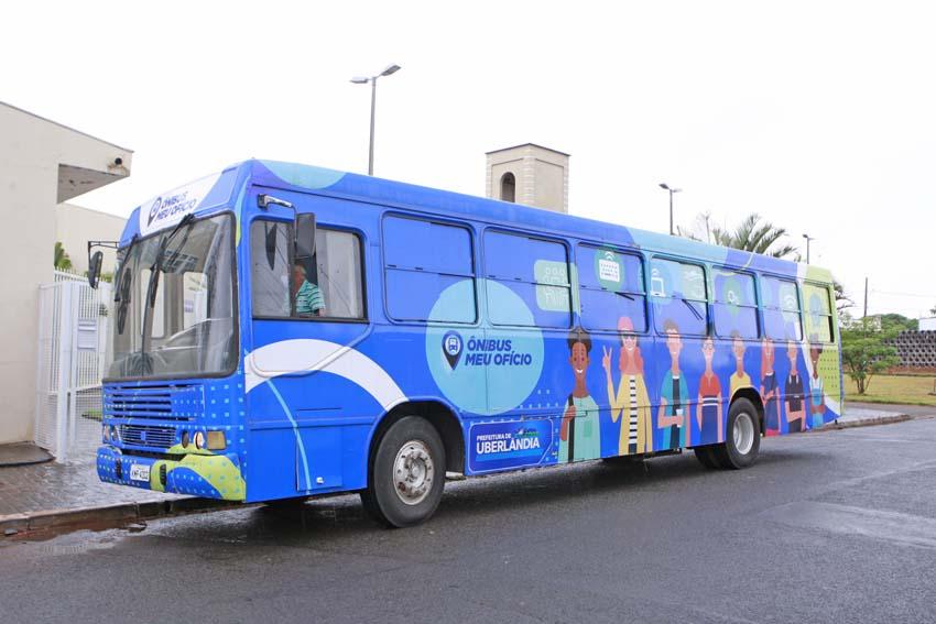 Uberlândia: Ônibus Meu Ofício abre inscrições para cursos nesta quarta (13)