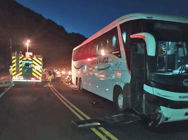 SC: Acidente entre carro e ônibus da Ouro e Prata deixa uma pessoa ferida em São Lourenço do Oeste - revistadoonibus