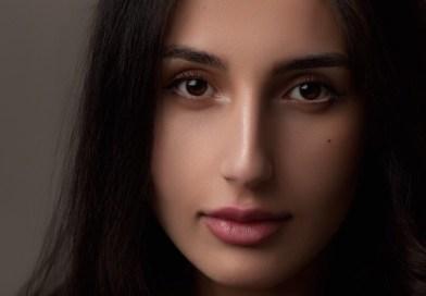 """Primavera Editorial lança """"Uma mulher não é um homem""""; romance bestseller no New York Times Book Review"""